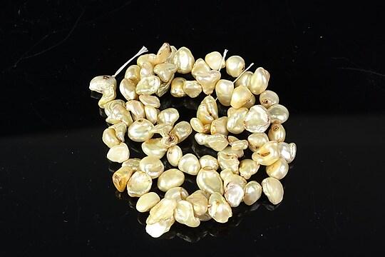 Sirag perle de cultura crem neregulate aprox. 6-7x8-10mm