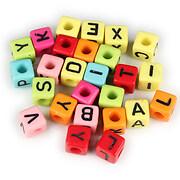 Margele cu litere din plastic, cub 8mm, 100 buc, multicolor
