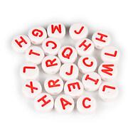 Margele cu litere din plastic, rotunde 9,5mm, 100 buc, alb cu rosu