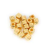 Margele cu litere din plastic, cub 6mm, 100 buc, auriu