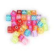 Margele cu litere din plastic, cub 6mm, 100 buc, multicolor
