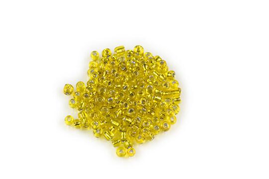 Margele de nisip 2mm cu foita argintie (50g) - cod 052 - galben verzui