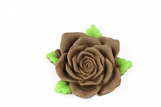 Cabochon rasina trandafir cu frunzulite 36mm - maro mat